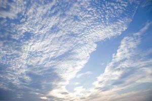 秋の空、うろこ雲